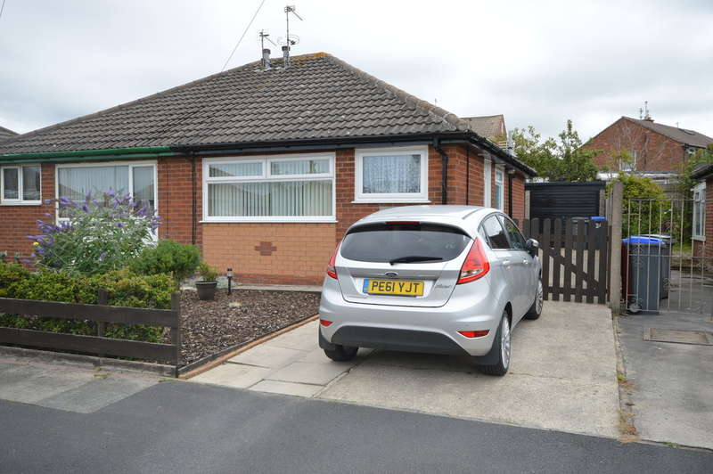 2 Bedrooms Semi Detached Bungalow for sale in Pavey Close, Marton