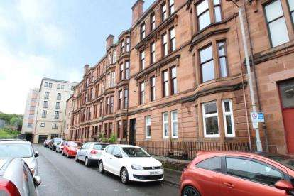 2 Bedrooms Flat for sale in Norval Street, Partick, Glasgow