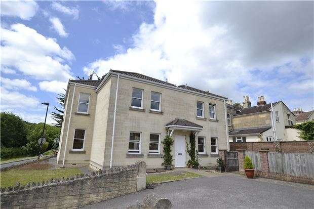 2 Bedrooms Property for sale in Riverside House, 19 Osborne Road, BATH, Somerset, BA1 3JS