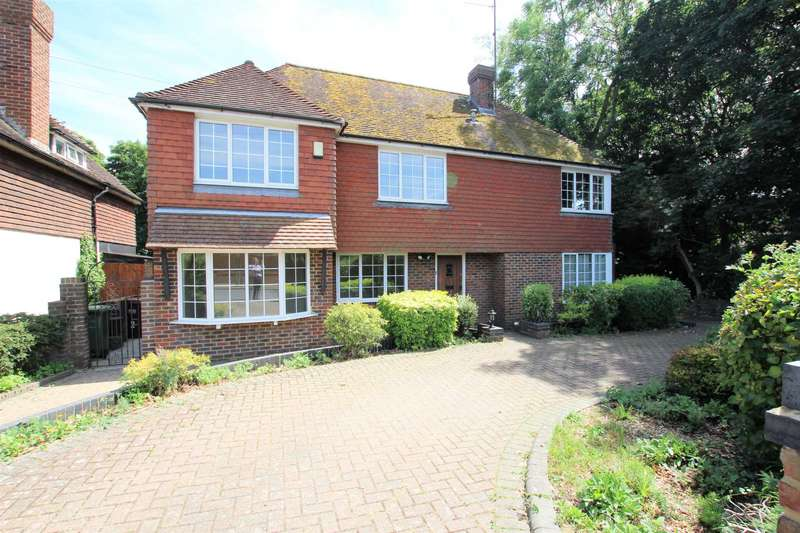 5 Bedrooms Detached House for sale in Woodland Avenue, Eastbourne, BN22 0HD