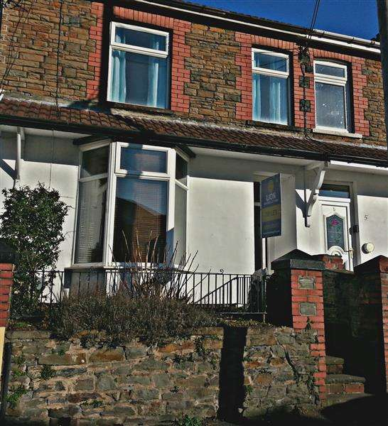 3 Bedrooms Terraced House for sale in James Street, Treforest