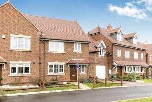 3 Bedrooms Terraced House for sale in Jubilee Gardens, Bognor Regis