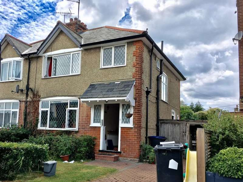 3 Bedrooms Semi Detached House for sale in Wynn Road, Whitstable, CT5