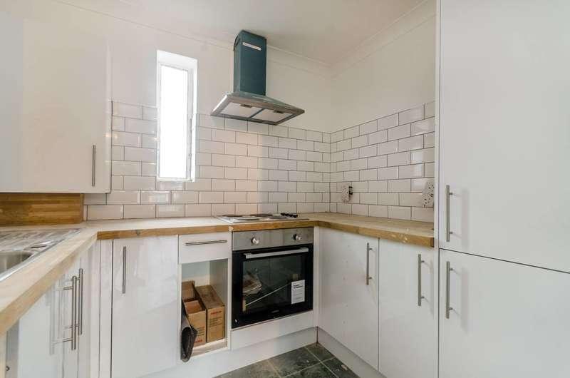 1 Bedroom Flat for sale in Whitehorse Lane, Selhurst, SE25