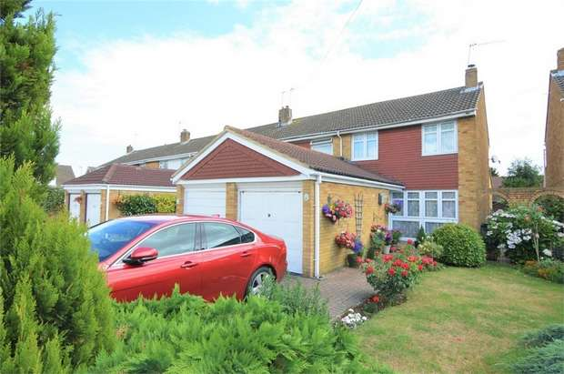 3 Bedrooms End Of Terrace House for sale in Ousden Close, Cheshunt, Hertfordshire
