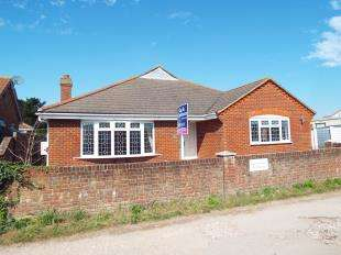 4 Bedrooms Bungalow for sale in West Front Road, Pagham, Bognor Regis, West Sussex