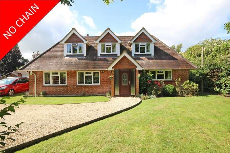 4 Bedrooms Chalet House for sale in Sway Road, Pennington, Lymington