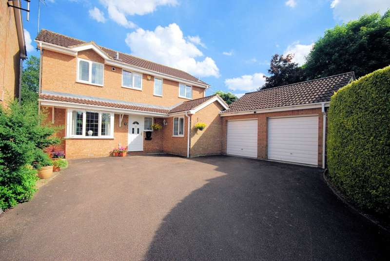 4 Bedrooms Detached House for sale in Dean Way, Aston Clinton, Buckinghamshire