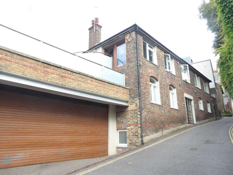 4 Bedrooms Detached House for sale in Watergate Lane, Lewes