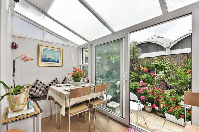 4 Bedrooms Flat for sale in Lansdowne Way, London SW8