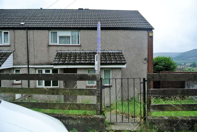 3 Bedrooms End Of Terrace House for sale in Winstone Road, Trevethin, Pontypool, NP4