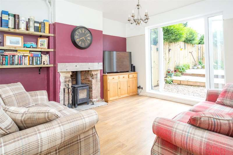 3 Bedrooms Semi Detached House for sale in Viking Road, York, YO26