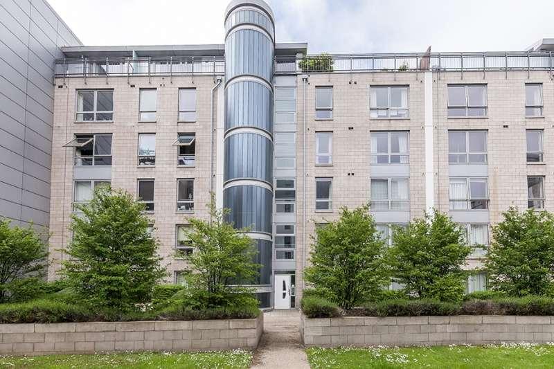 2 Bedrooms Flat for sale in Gardners Crescent, Fountainbridge, Edinburgh, EH3 8DG