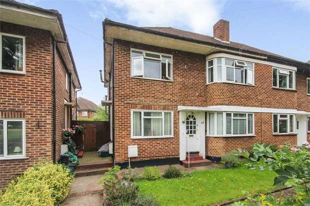2 Bedrooms Maisonette Flat for sale in Cheston Avenue, Croydon, Surrey