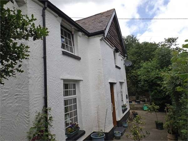 3 Bedrooms Detached House for sale in Trefriw, Trefriw, Conwy