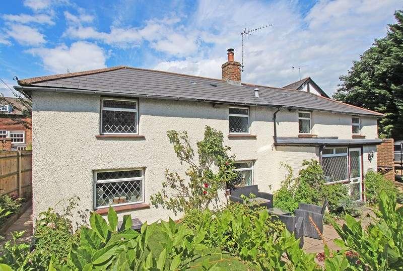 3 Bedrooms Detached House for sale in Lyndhurst Road, Brockenhurst