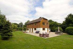 4 Bedrooms Detached House for sale in Billingshurst Road, Ashington, Pulborough, West Sussex