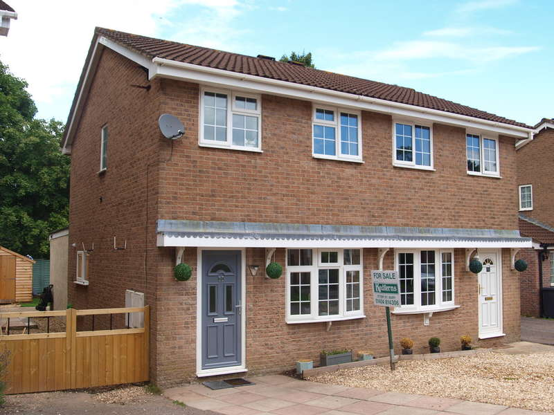 2 Bedrooms Semi Detached House for sale in Honiton