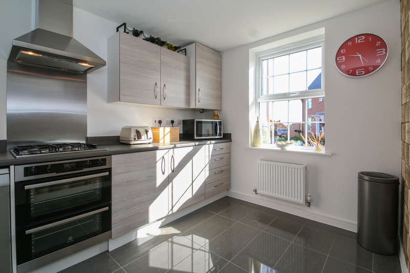 3 Bedrooms Detached House for sale in Dunlin Way, Winsford