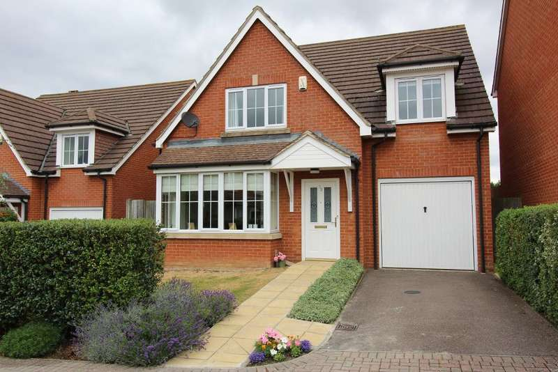 4 Bedrooms Detached House for sale in Vancouver Close, Orpington, Kent, BR6 9XR
