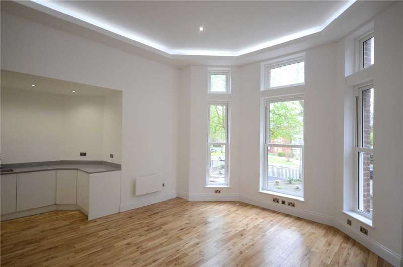2 Bedrooms Apartment Flat for sale in Livingston Drive North, Liverpool