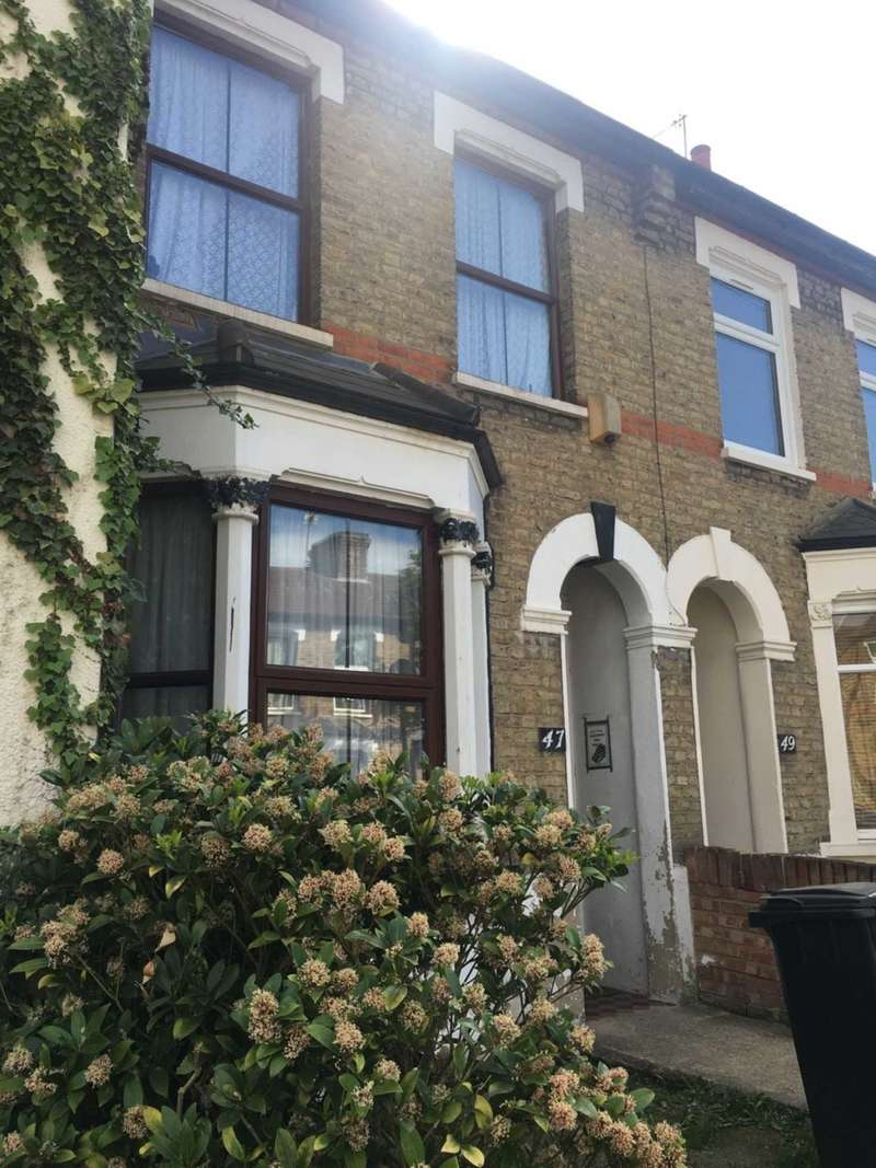 3 Bedrooms Terraced House for sale in Cheddington Road, Edmonton