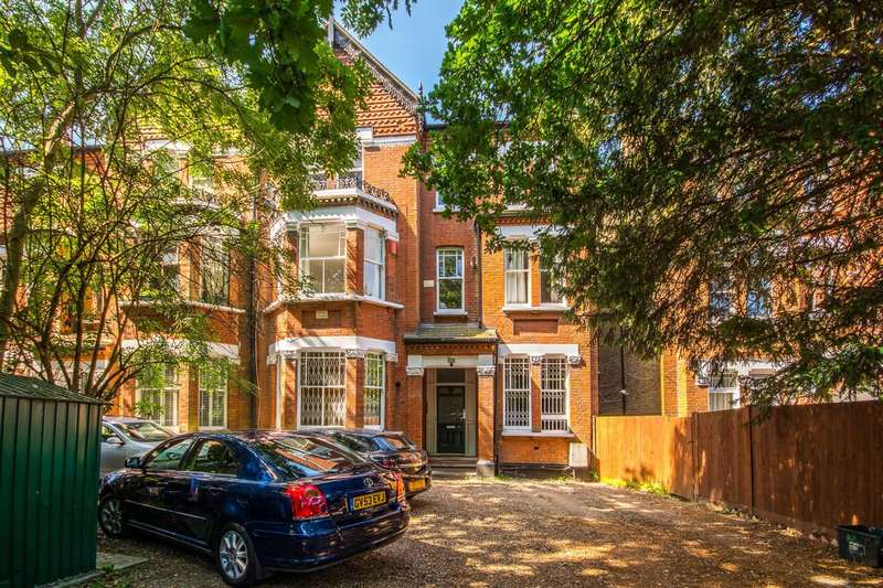 2 Bedrooms Flat for sale in Palace Road, Streatham Hill, SW2