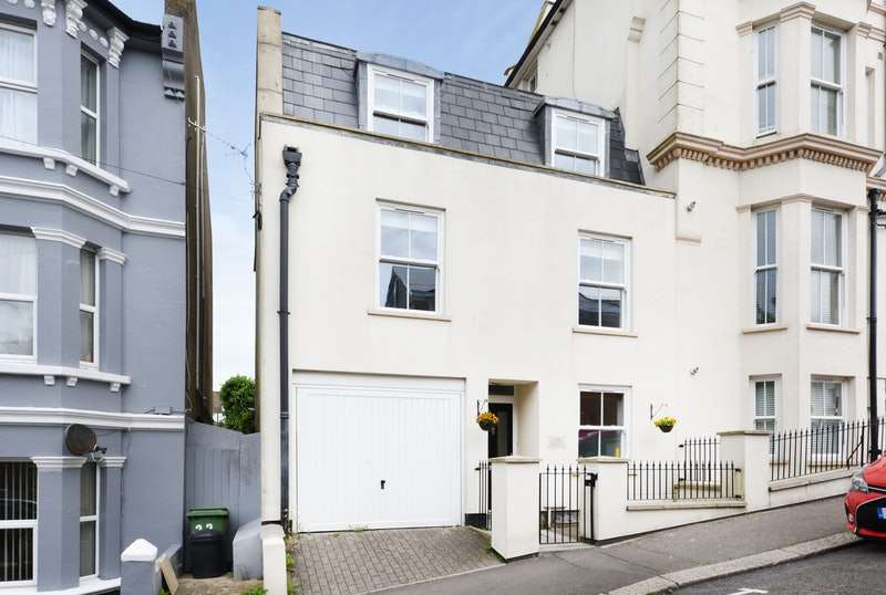 3 Bedrooms End Of Terrace House for sale in Whitefriars Road, Hastings, East Sussex, TN34