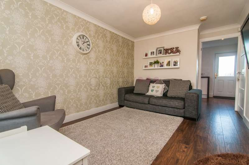2 Bedrooms Semi Detached House for sale in Horse Shoe Court, Doncaster