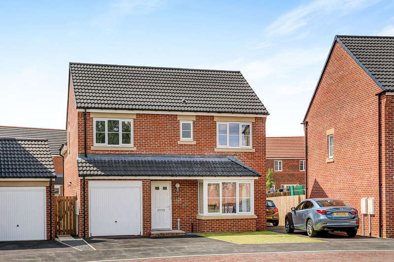 4 Bedrooms Detached House for sale in Akenshaw Drive, Seaton Delaval, Whitley Bay, NE25