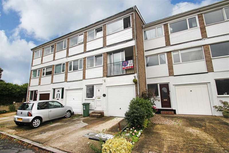 4 Bedrooms Terraced House for sale in Sundale Close, Holland-On-Sea