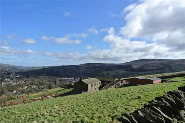 5 Bedrooms Detached House for sale in Marsden, Marsden, Huddersfield, West Yorkshire