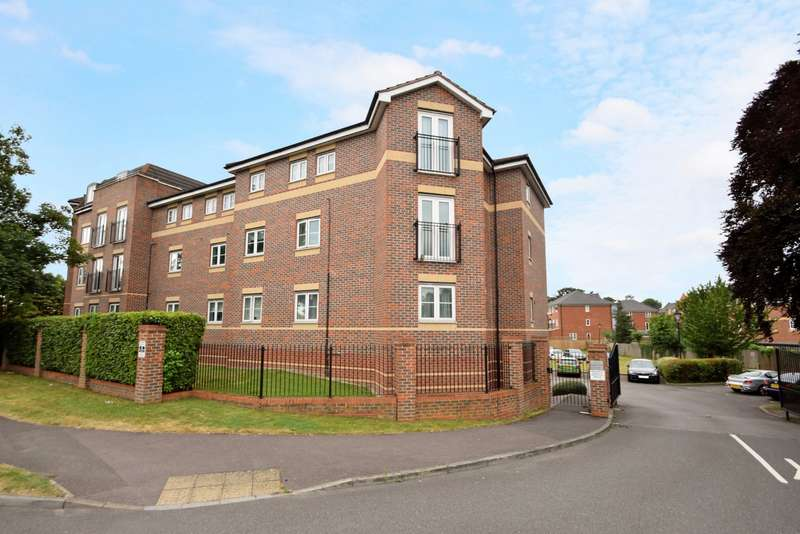 1 Bedroom Flat for sale in Bosworth Court, Slough, SL1