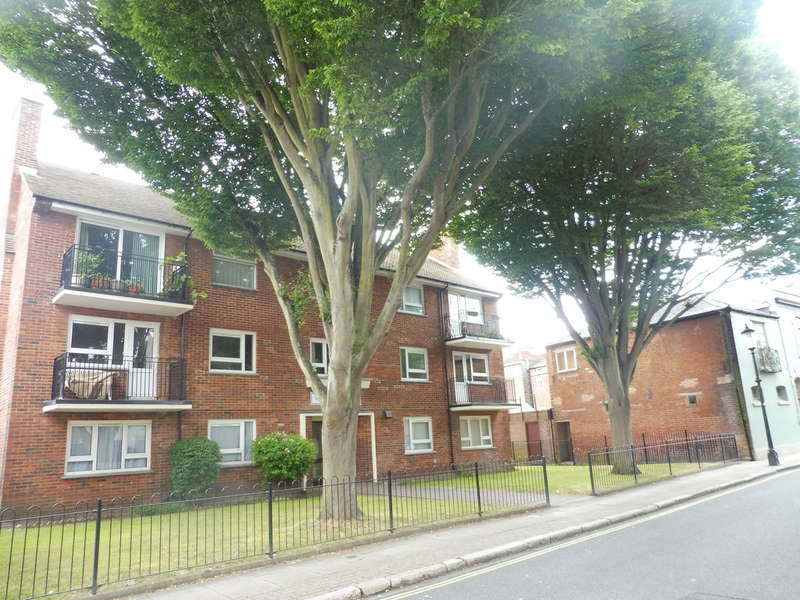 2 Bedrooms Flat for sale in Eldon Street, Southsea