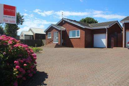 3 Bedrooms Bungalow for sale in Augusta Terrace, Sunderland, Tyne and Wear, SR6