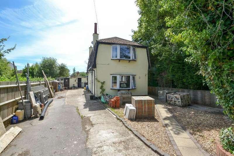 3 Bedrooms Detached House for sale in Bucksham Avenue, North Bersted, Bognor Regis, West Sussex, PO21 5DT