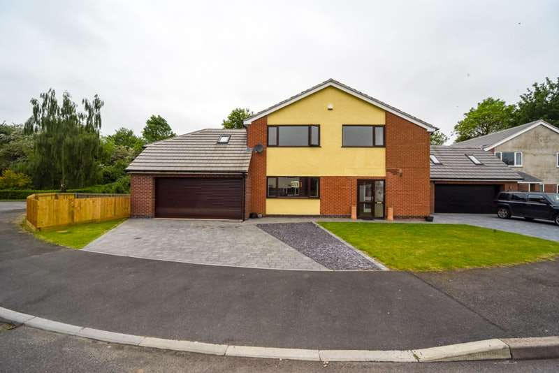 4 Bedrooms Detached House for sale in Andrews Close, Lutterworth, Leicestershire, LE17