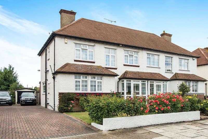 3 Bedrooms Semi Detached House for sale in Ridgeway Avenue, Gravesend, DA12
