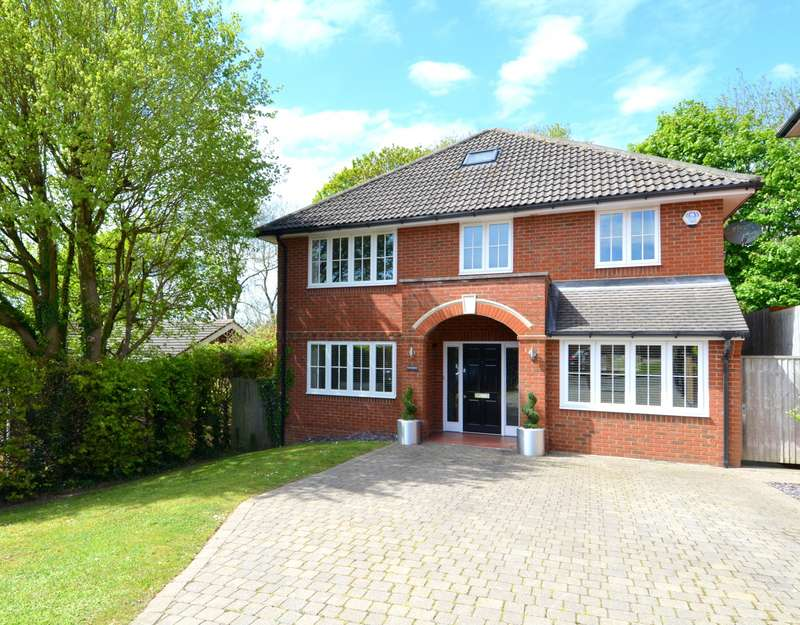 5 Bedrooms Detached House for sale in Woodrow, Foxhill Close, High Wycombe, HP13