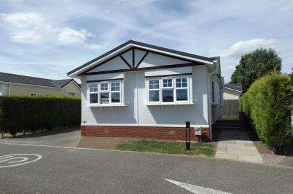 2 Bedrooms Mobile Home for sale in Eye Road, Eye, Suffolk