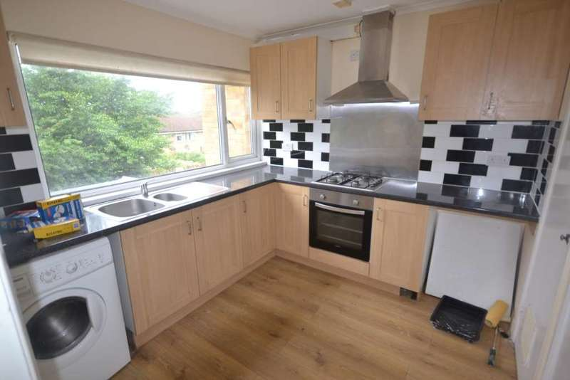 3 Bedrooms Terraced House for rent in Connaught Road, Reading