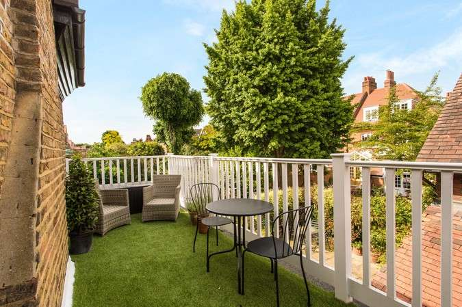 2 Bedrooms Flat for sale in The Avenue, Chiswick