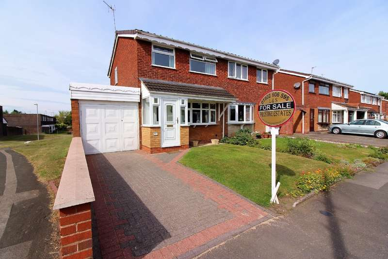 3 Bedrooms Semi Detached House for sale in Langmead Close, Bentley