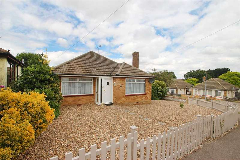 2 Bedrooms Bungalow for sale in Craigfield Avenue, Clacton-On-Sea
