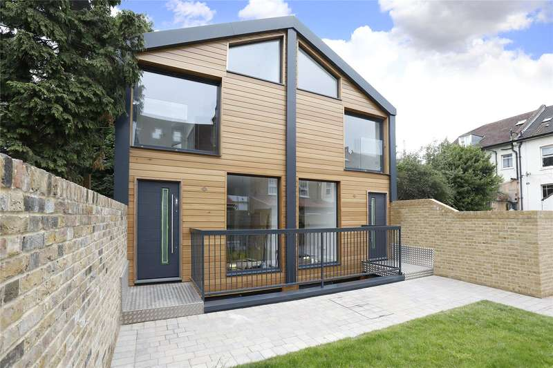 Semi Detached House for sale in Lower Addiscombe Road, Croydon