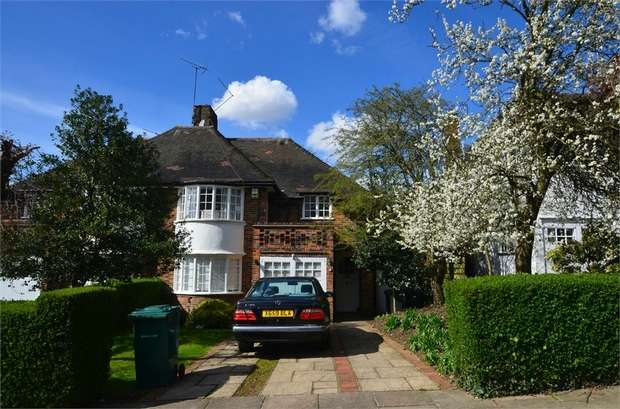 3 Bedrooms Semi Detached House for sale in Maurice Walk, Hampstead Garden Suburb