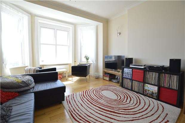 2 Bedrooms Flat for sale in Eversfield Place, ST LEONARDS-ON-SEA, TN37 6DB