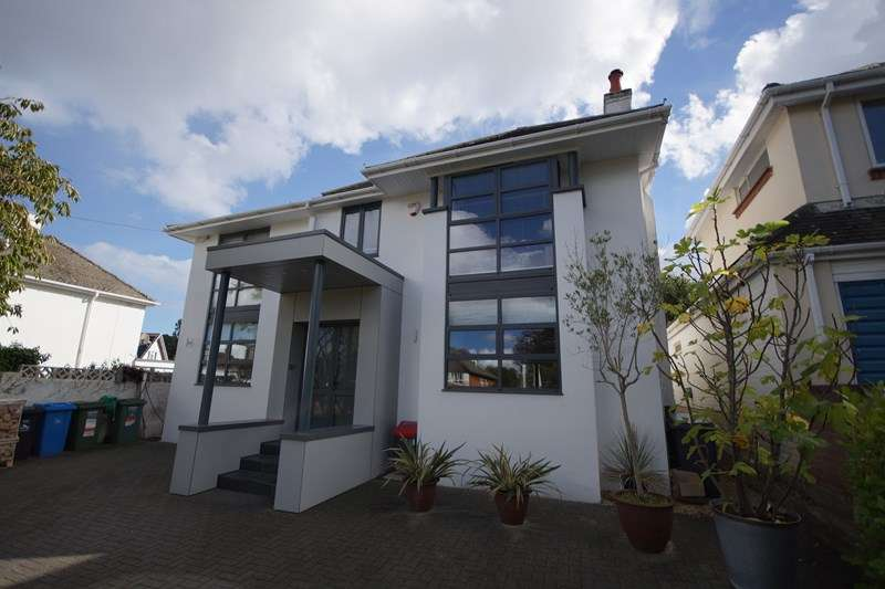 4 Bedrooms Detached House for sale in Pearce Avenue, Lilliput, Poole