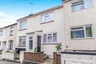 3 Bedrooms Terraced House for sale in Edinburgh Road, Chatham, Kent