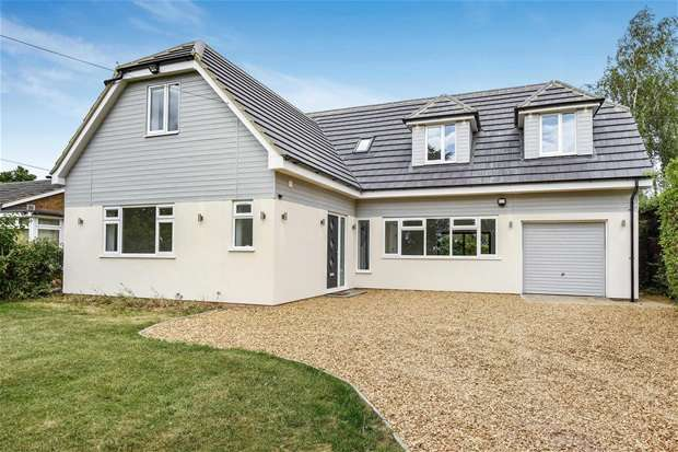5 Bedrooms Detached House for sale in High Street, Great Barford, Bedford